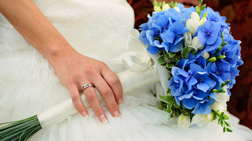 big wedding flowers
