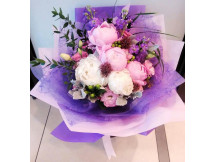 Perfect match -loves for peonies bouquet