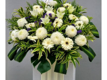 with deepest sympathy -100% fresh floral