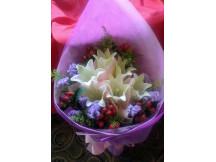 Gorgeous 6 huge white lilies bouquet