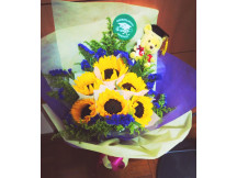 Congratulations & best new adventure ahead -huge 6 sunflowers bouquet