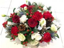 Trendy Seasonal flowers for Christmas celebration