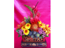 Dynamic -Seasonal mix fresh flowers with random base