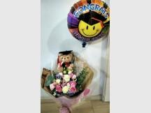 Joyous Victory- Korean stylish bouquet with Graduate Bear & Random graduate Balloon